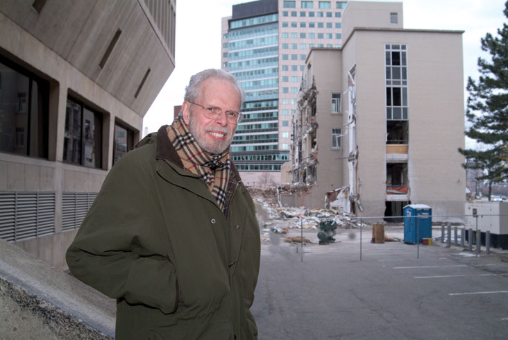 Prof. Leon Glicksman says MIT should be at the forefront of researching ways for all new buildings to use less energy. Photo: Ed Quinn