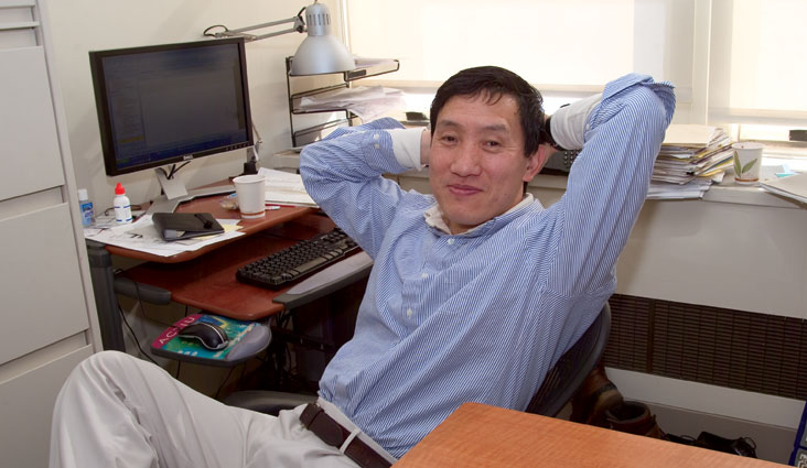 The Economist cites Prof. Yasheng Huang's book as of the best economics and business books of 2008.  Photo: Ed Quinn