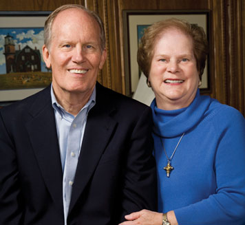 Jim '65 and Gladys Taylor of Houston support public service. Photo: Don Hoffman