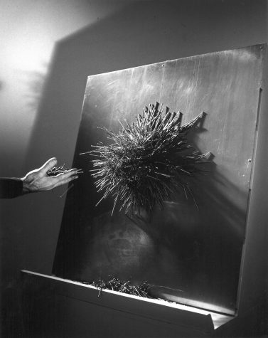 1968: CAVS fellow Vassilakis Takis's electromagnetic sculpture <em>Antigravity</em>. Photo: Nichan Bichajian.