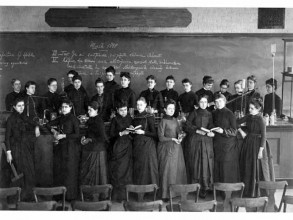 Ellen Swallow Richards (upper left) with women students, 1888. Photo: MIT Museum