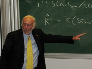 Simons speaking at the Differential Geometry, Mathematical Physics, Mathematics and Society conference in 2007 in Bures-sur-Yvette. Image: Oberwolfach Photo Collection