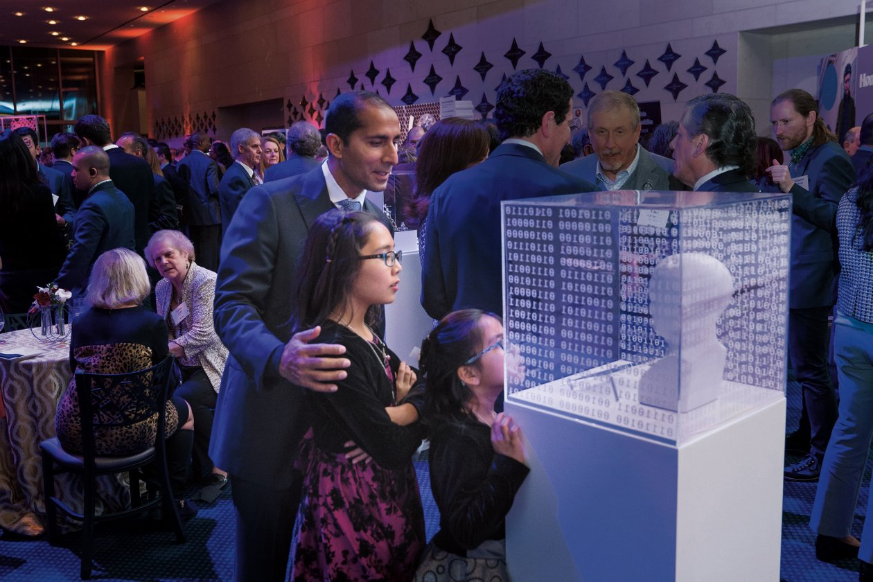 Guests at the January 2018 Better World event in Houston, Texas, explored exhibits showcasing MIT innovations. Photo: Jared Jarvis