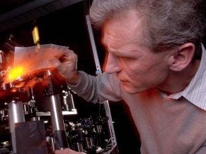 Wolfgang Ketterle in the lab.