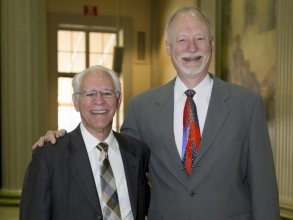 Sherwin Greenblatt '62 and MIchael Dornbrook '75. Dornbrook succeeds Greenblatt as chair of KDMS.