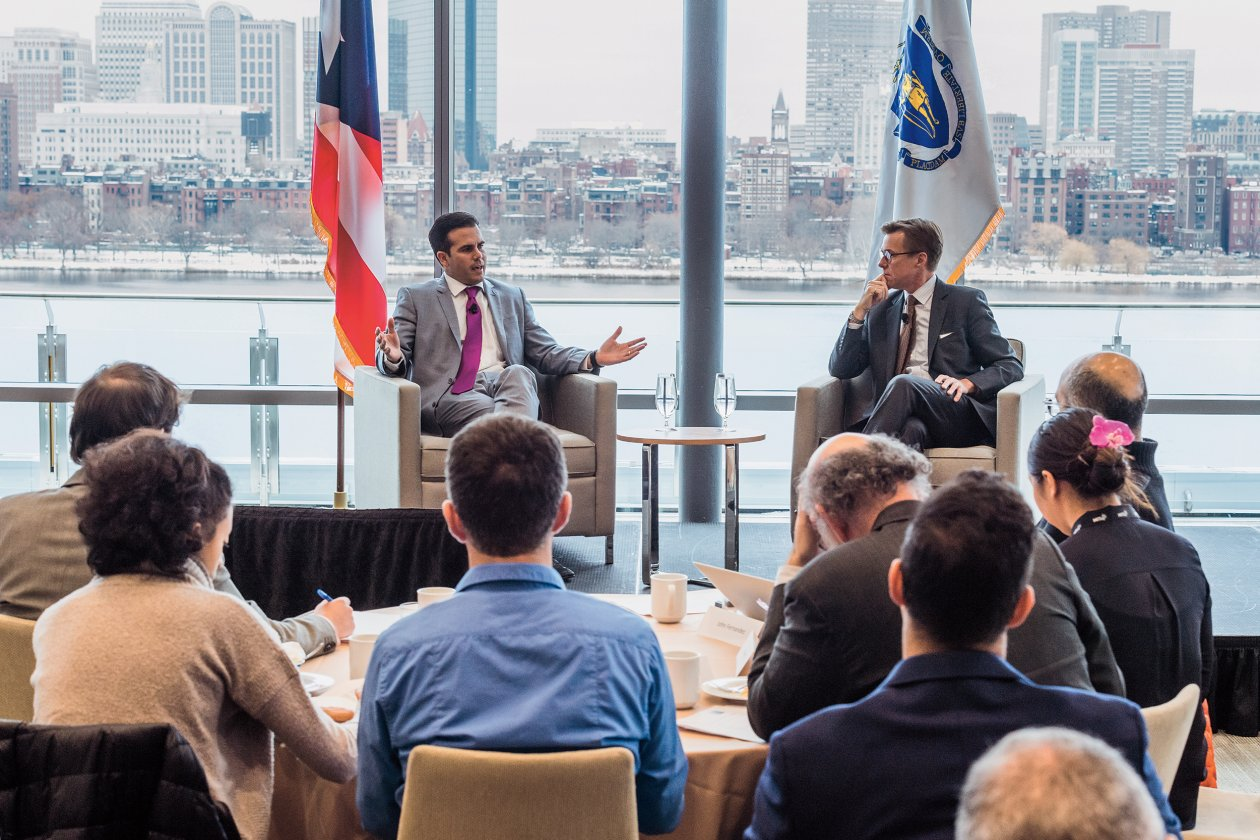 Puerto Rico's governor, Ricardo Rosselló '01, left, visited campus in December to discuss the challenges facing his island with MITEI and the Tata Center's Robert Stoner. Photo: Justin Knight